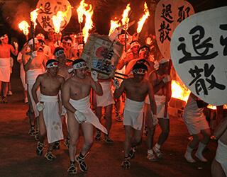筑後地方三大祭りのひとつ「風浪宮大祭」 裸ん行・潮井まいり・御神幸・流鏑馬など古式豊かな神事が繰り広げられる3日間