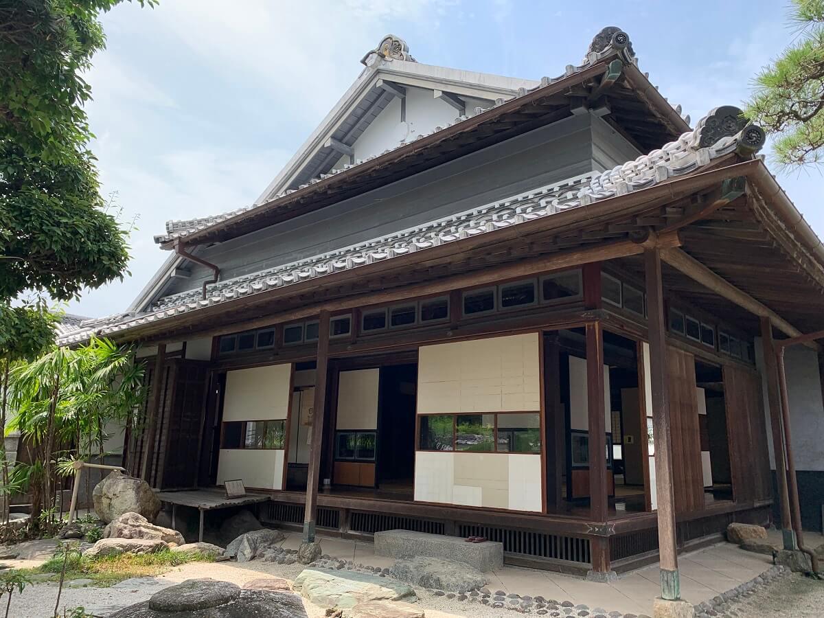 堺屋(旧木下家住宅)【八女市】新奇な意匠と伝統技術が駆使された貴重な建造物