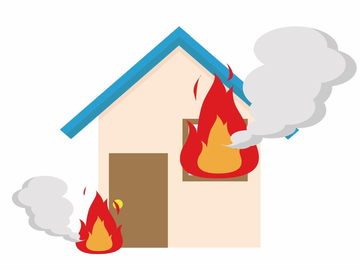 久留米市三潴町で住宅2棟を全焼 台風の影響で延焼か