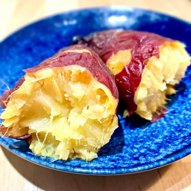 eeMo (イーモ)壺焼き芋専門店【久留米市】寒い時期にピッタリ!ホクホクの壺焼き芋を食べてみた