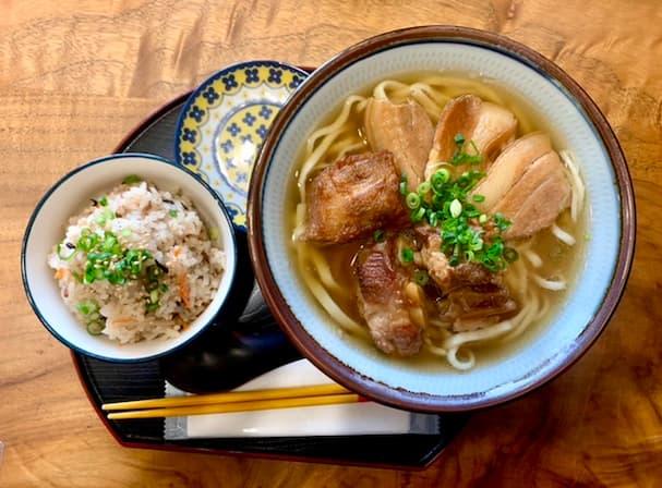 沖縄そば 北谷亭(ちゃたんてい) 久留米で本格的な沖縄そばが味わえるんです!