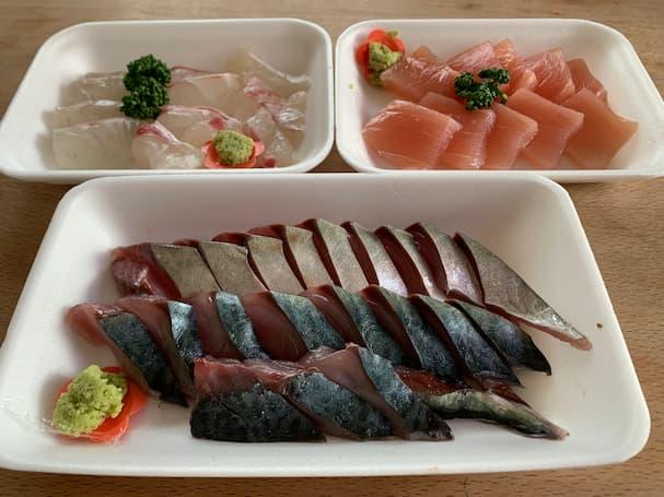 北島鮮魚店のKFC(北島フライドチキン)と美味しい刺身たち。サケカマもおすすめ(八女市)