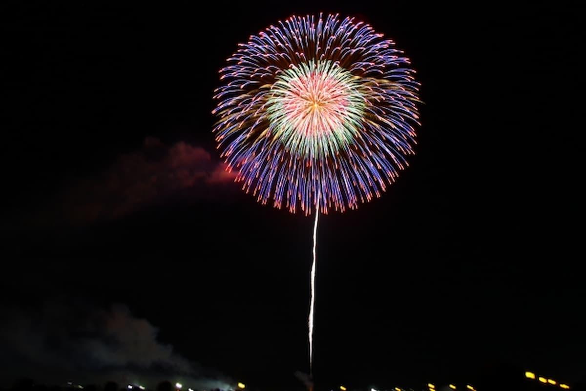 今夜(8月25日)20時より花火が上がるばい!筑後市内で60発くらい