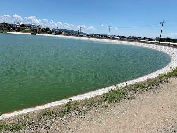 JR西牟田駅近くでずっと工事しよった所がでっかい池になっとる(筑後市)